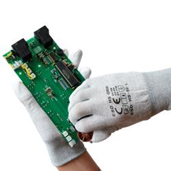 ESD Bekleidung und Handschuhe